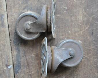 Antique Casters - Set of 2 - E2181