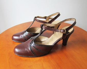 Vintage 1970s Shoes / Brown Leather T-Strap Heels Mary Janes Made in Canada / Size 8.5 Women / Size 8 1/2