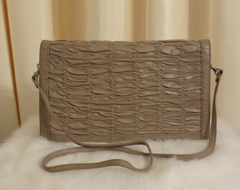 Vintage 80s AUSTRALIAN MADE Faigen Beige Light Brown Leather Shoulder Handbag Clutch Purse
