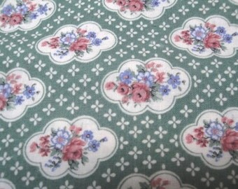 "45"" Wide 1995 Cotton Screen Print Flower Pattern Fabric / Antique Green with Roses / Victorian Style/ Quilting Fabric Sewing Home Decor S130"