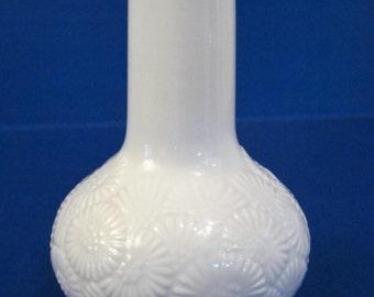 Vintage Thomas Embossed Daisy Bud Vase