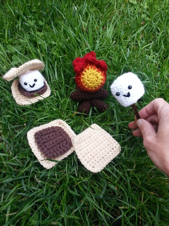 Crochet S'mores Playset, Pretend Camping Toy Food, Girl Scout Camp Playset