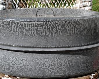 Vintage Enamel Roasting Pan