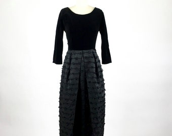 Vintage 1960s Dress / 60s Dress Black Dress / 1960s Gown / Evening Gown / Little Black Dress Velvet Cocktail Gown / S Party Dress Prom Dress