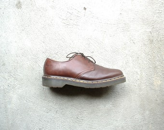 Vintage 80's Dr. Martens brown shoes, brown creepers, brown boots, men's size 7