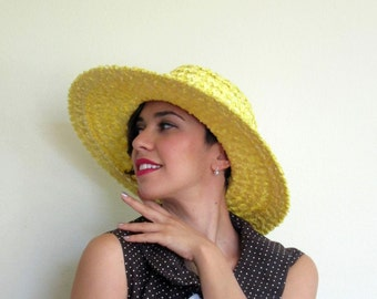 Vintage 1960s Wide Brimmed Hat / 60s Straw Hat in Yellow