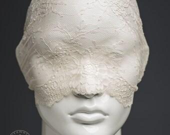 Light beige lace mask / Versatile off white lace veil / Half mask or lace turban headband / Tea dyed pseudo blindfold / Alternative wedding