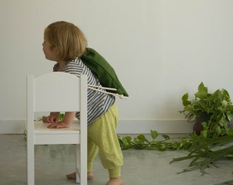 Small drawstring bag, beautiful green cotton fabric, with Cotton ropes, a special kids size.