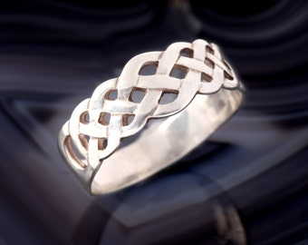 CELTIC RING, Sterling Silver, Celtic Knot, 925, Vintage Promise Ring, Band, Infinity Jewelry, Made in Ireland, Size 7.75