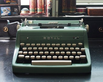 SALE- Beautiful Turquoise Royal Quiet Deluxe Typewriter