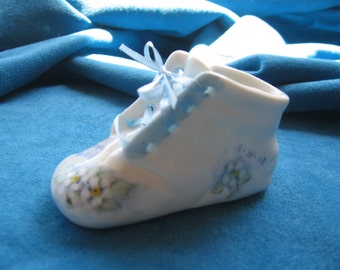 Porcelain Baby shoe, personalized with name and birth date