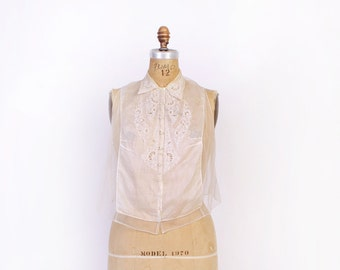 Vintage 30s Sheer BLOUSE / 1930s White Cotton Embroidered Lace Trim Collared Dickie Style Top