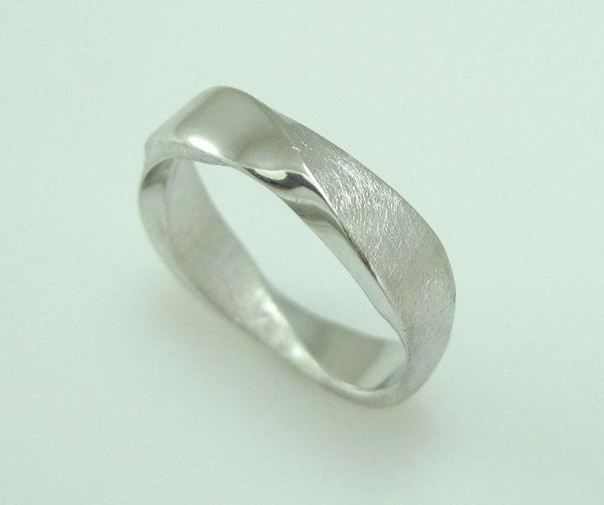 18k mobius wedding band 5mm mobius ring in 18k white by benati