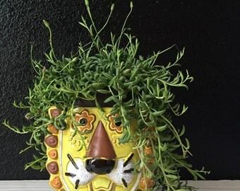 vintage ceramic lion head planter / kids bedroom decor