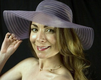 Vintage Light Purple Floppy Sunhat! Perfect for Easter, bridal parties, the derby, garden parties, or just as protection from the sun!