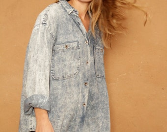 Chambray acid wash oxford light BLUE vintage 80s 90s  denim TWIN PEAKS leo shirt