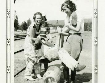"Vintage Photo ""Pretty Kidnappers"" Funny Women Girls Snapshot Photo Old Antique Black & White Photograph Found Paper Ephemera Vernacular - 76"