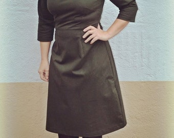 1940 style A-line dress in dark green