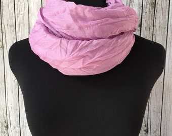 Lightweight crinkle scarf in lilac