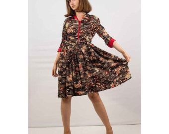 1950s dress / Vintage novelty print silk dress / Asian autumnal print with full pleated skirt S M