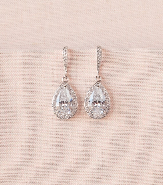 crystal bridal earrings wedding jewelry by crystalavenues on etsy. Black Bedroom Furniture Sets. Home Design Ideas