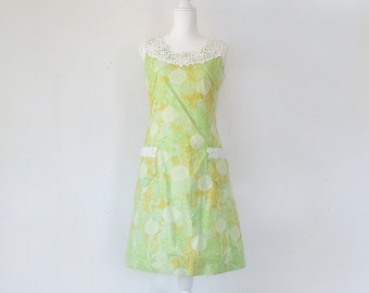 1960s Green Shift Dress 60s Vintage Lilly Pulitzer Cotton Lace Sundress Vegetable Novelty Print Medium Summer Sheath Garden Party Dress