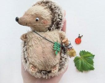Hedgehog with ladybug - 12cm