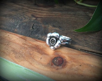 Little Rose Sterling Silver Stacking Ring - Size 7