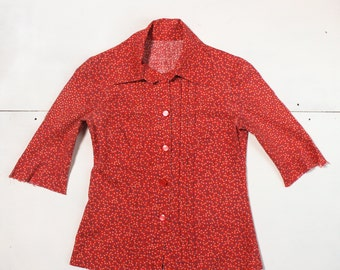 SML | 1960's Vintage Red Floral Print Button Up Collared Shirt 3/4 Sleeves