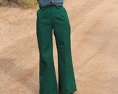 1970s // Vintage Green Levi's High Waisted Bell Bottoms // XS