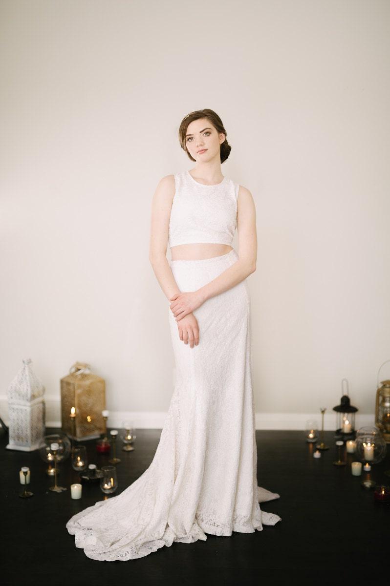Sample Sale Joni Sleeveless Wedding Dress // Bohemian Lace
