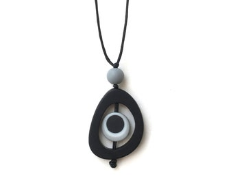 Monochrome Nursing Necklace Babysafe Necklace Breastfeeding Necklace - Spinning Disc Pendant - Black and White, Grey - High Contrast