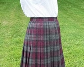 Vintage Ladies Wine & Gray Pleated Plaid Skirt by Austin Hill Size 10 Only 9 USD