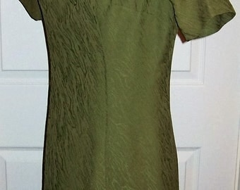 Vintage 1960s Ladies Green A Line Dress Homemade Small Only 9 USD