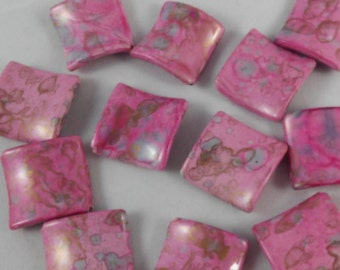 6 Beads - Pink Splatter Curved Acrylic Beads