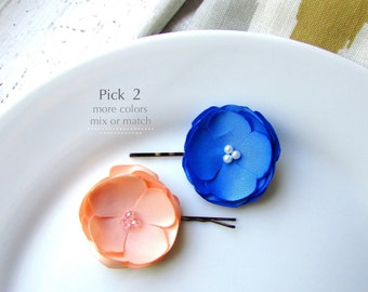 2 Small Silk Flower Hair Clips, Silk Floral Hair pins, Fabric Flower Bobby Pin, Peach Flower Girl, Cornflower Blue Bridesmaid, simple Pearls