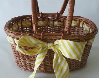 Woven Wicker Basket Handbag