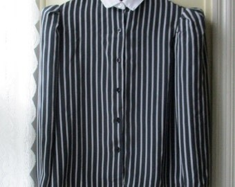 ON SALE Women's vintage pinstripe blouse / 1980s grey and black blouse with puffed sleeves / size 7 to 8 small