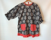 60s 70s Apron Smock / Bandana Print / Paisley Polka Dot Smock with Pockets / Arts & Crafts Smock / Design House / Black White and Red Cotton