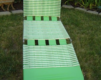 Vintage Aluminum Tube Green Lawn Chair, Folding Pool Chaise Lounge / Local Pick Up Warren,  Michigan (Detroit Area) or Shipping Available