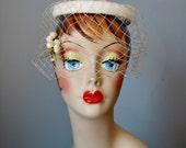 White Velvet Veiled Hat /...