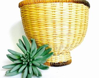 Pedestal Wicker Basket Shade