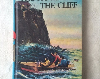 The Hardy Boys, The House on the Cliff, Vintage Hardy Boys Mystery Book Number 2 by Franklin W Dixon