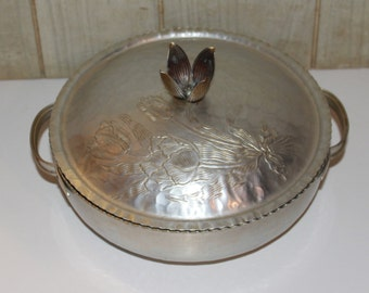 SALE! - Retro Vintage Hammered Aluminum Serving Dish with Lid  - Tulips - Mid Century - Collectibles - Housewares - Home Decor - 1950s