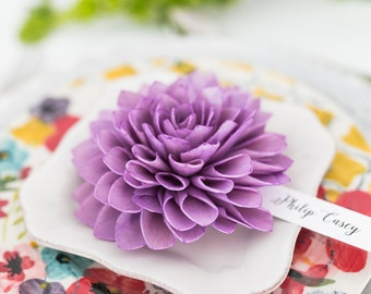 Purple Wooden Flower Place Cards, Wedding Place Cards, Wedding Escort Cards