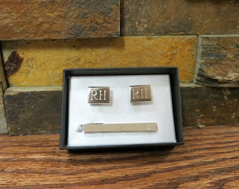 Personalized Tie Clip w/ Cuff Links Monogram- Groomsmen- Gifts for Men (cu-04T-)
