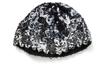 REDUCED was 50 now 30 adorable VINTAGE silver sequin knit stretch cap beanie beret