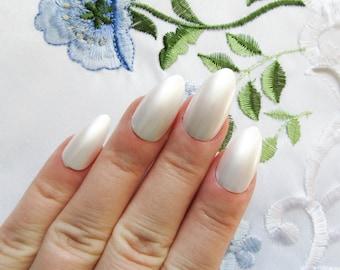 Pure Pearl Fake Nails, Stiletto Nails, Acrylic Nails, Press on, Nails, Almond Nails, White, Off White, Metallic White