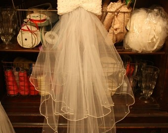 Vintage 80s Bridal Veil Excellent Condition Tulle Bow Barrette Faux Pearls Tiered Wedding