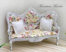 Miniature Dollhouse Victorian Sofa And 2 Pillows